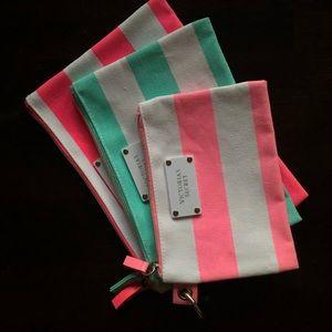 Victoria's Secret Makeup bags set of 3 brand new💕